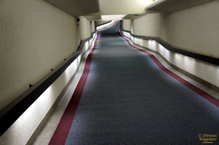 The hallway between the Indiana State Capital and Circle Center Mall.